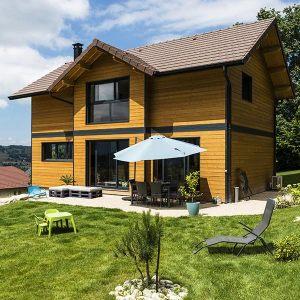 maison bois contemporaine avec jardin