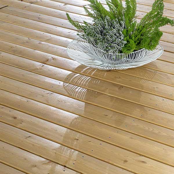 Les profilés X-TRA Apexline 10 pour créer une terrasse bois durable © Mocopinus