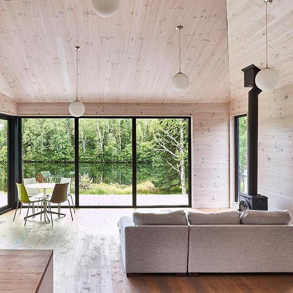 extension bois moderne sur une maison au Québec
