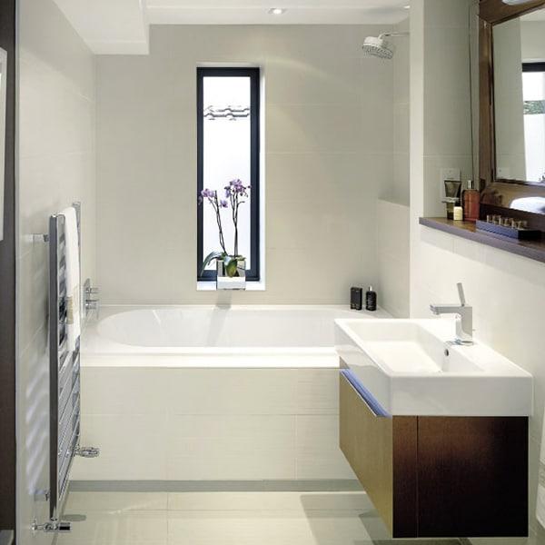 salle de bains renovée dans maison bois