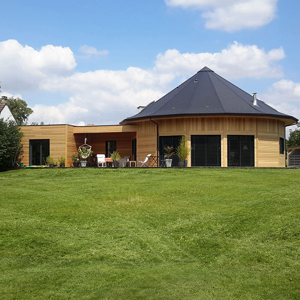 Maison polygonale en ossature bois - La Maison de Cèdre