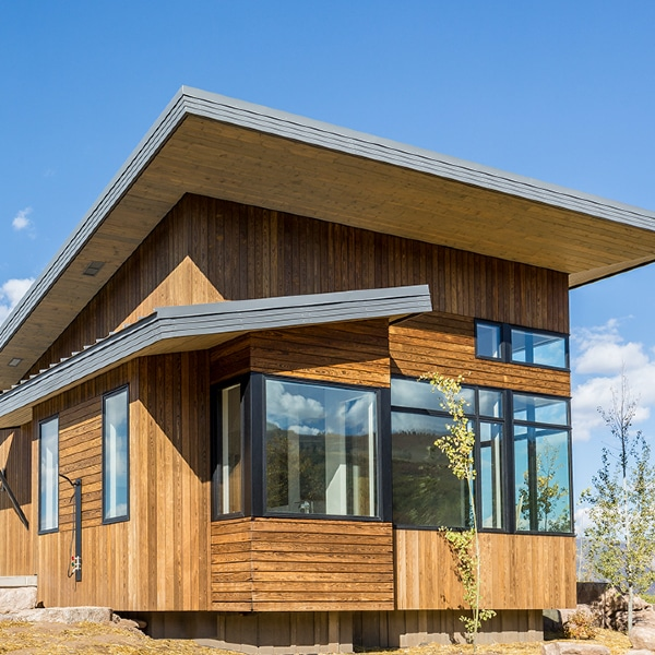 maison longue en bois dans le Colorado