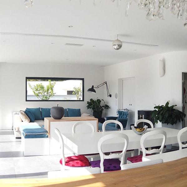 Salon ouverte dans maison bois