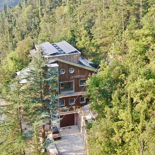 kebony-ecolodge-architecture-bois-italie