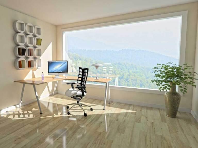 Une extension bois pour créer un bureau pour le télétravail © Pixabay