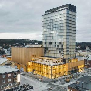 L'une des plus hautes tours en bois au monde, en Suède, par l'agence White Arkitekter © Jonas Westling