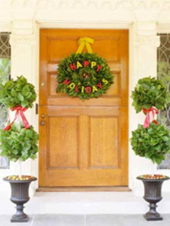 pretty traditional wreaths