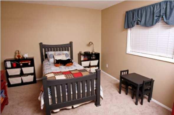 simple boys room
