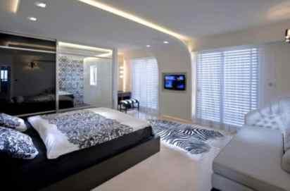 Segev - Contemporary Bathroom in Bedroom