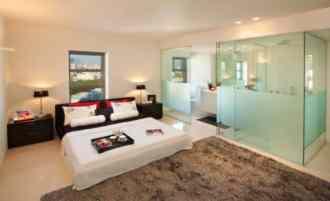 Segev - Glass Bathroom in Bedroom