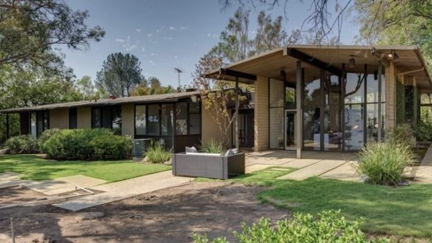 29 Mid Century Homes Exterior And Interior Examples Ideas