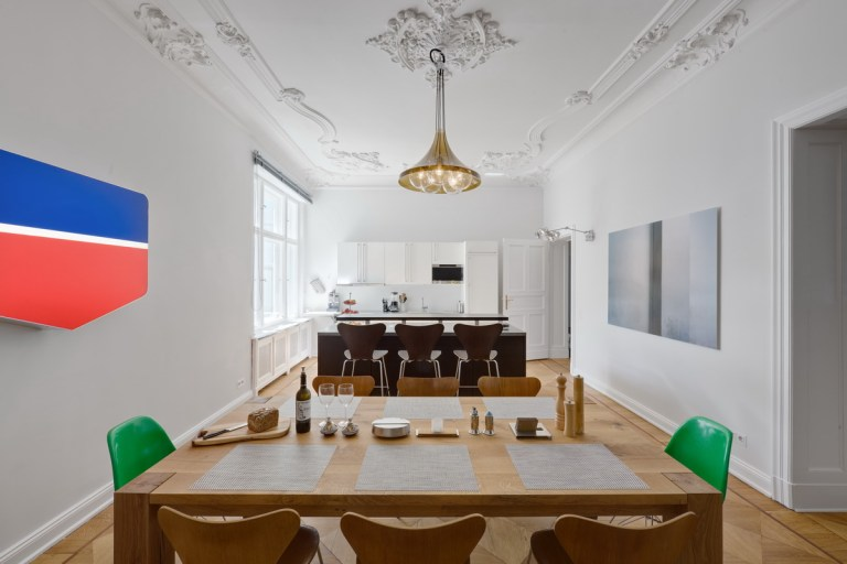 Apartment Spreebogen Berlin by BERLINRODEO