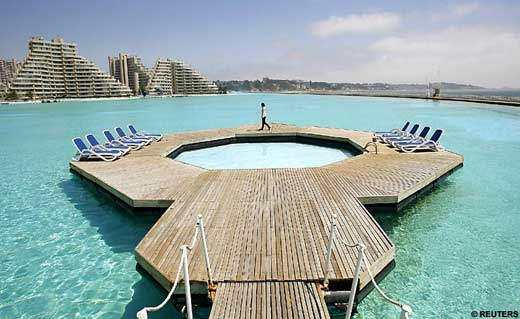 the worlds largest swimming pool