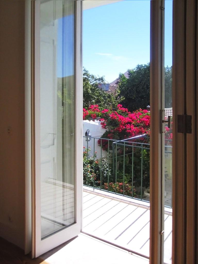 Apartment in Estefânia, Lisbon / by Arquitectos Associados