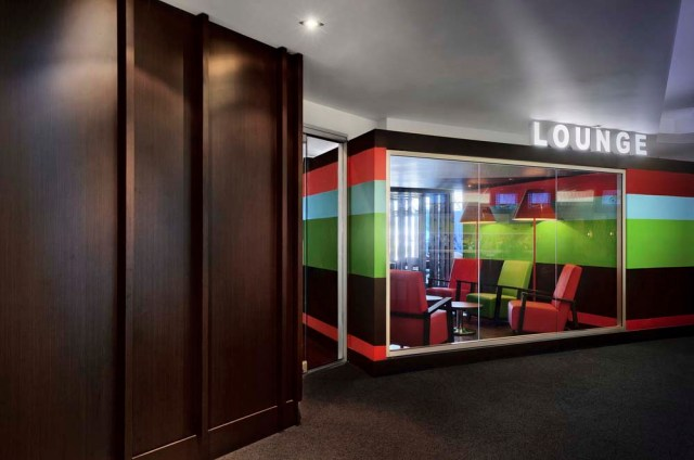The Lounge, Canada / by Jean de Lessard