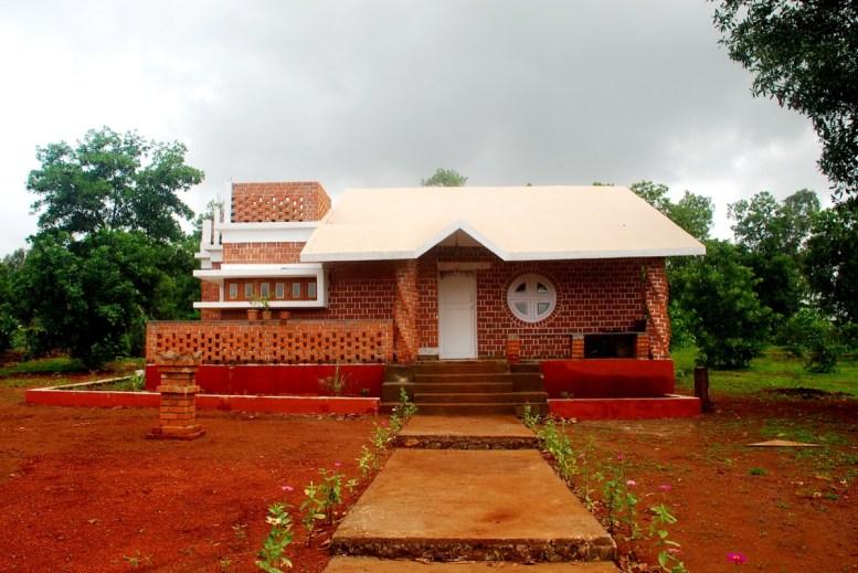 Nirmitee Architects - Mangesh Jadhav -Pali bungalow