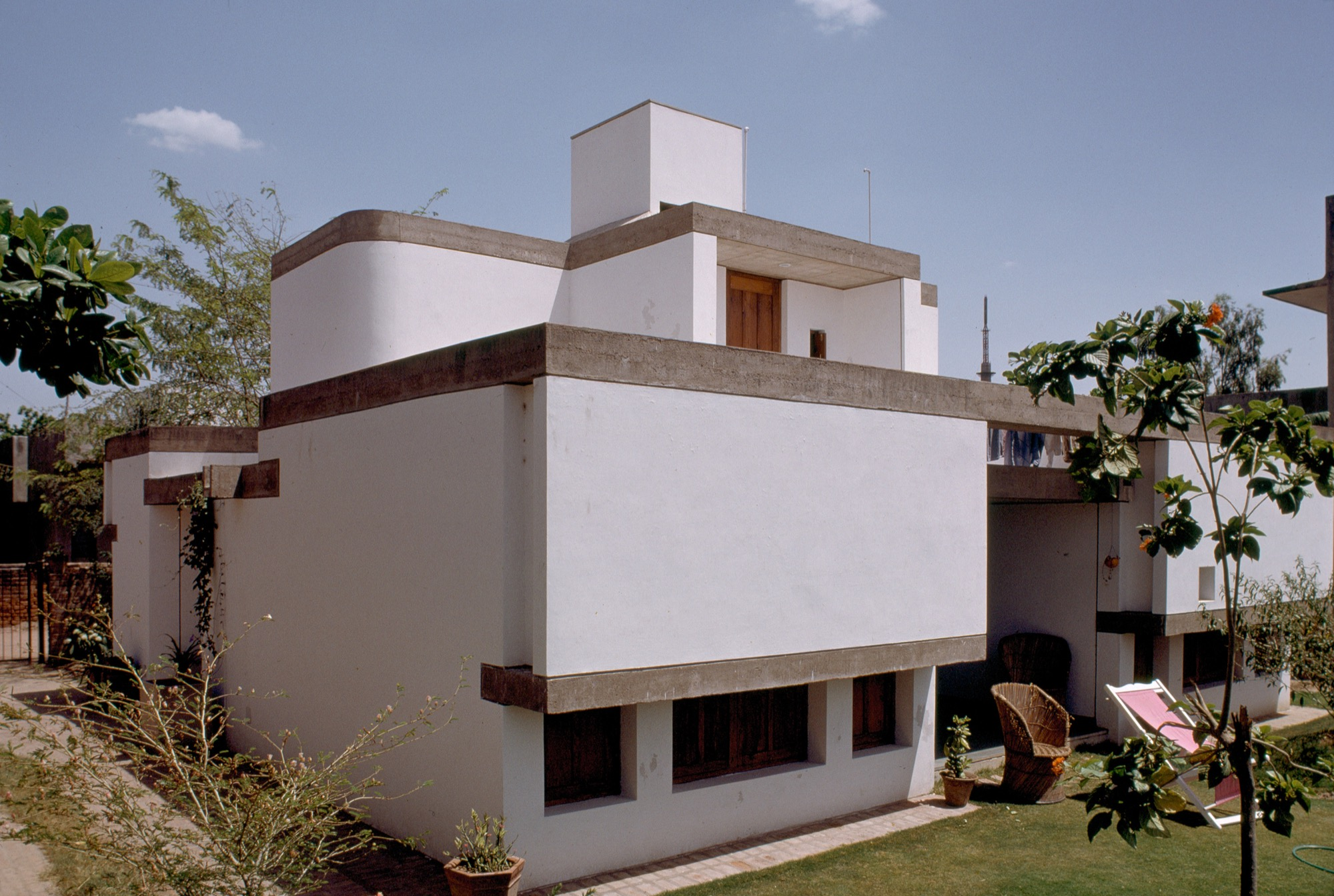 Of Light, Shade and Shelterdness in Design of Private Residences - P. Venugopal 1