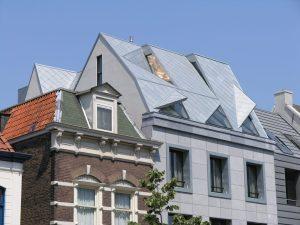 Palissade Gorkum, zinken dak met opgetilde daklichten