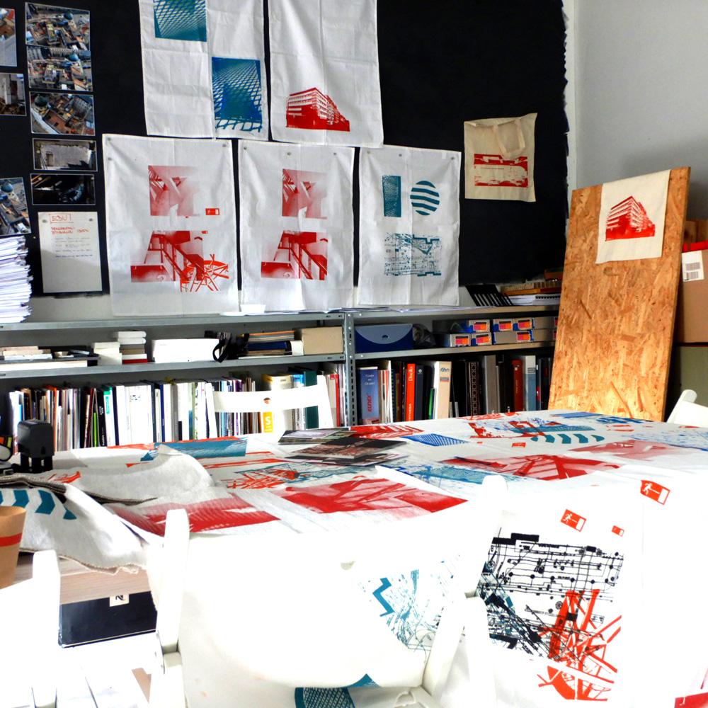 Siebdrucktaschen - Bedrucktes im Büro
