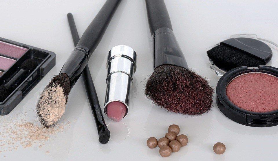 Volunteering Makeup