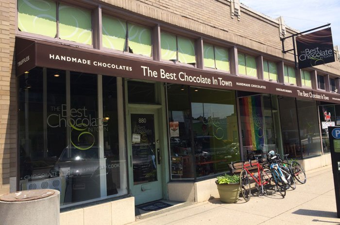 If you're looking for a sweet way to spend an afternoon in Indianapolis, Indiana, here's a little Indianapolis sweets tour you can enjoy!
