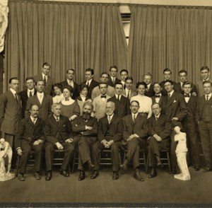 Picture taken of the MIT landscape architecture cohort in 1900.
