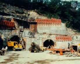Construction of Wheeling Tunnel (photo by Ellis Dungan, OCPL Archives).