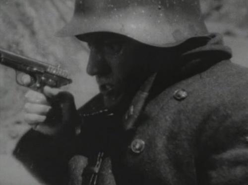 german soldier tokarev tt 33