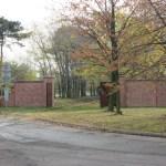 Reconstrucción muro perimetral-puerta del ferrocarril para entrar