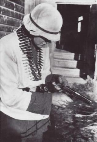 soldado aleman tokarev tt 33