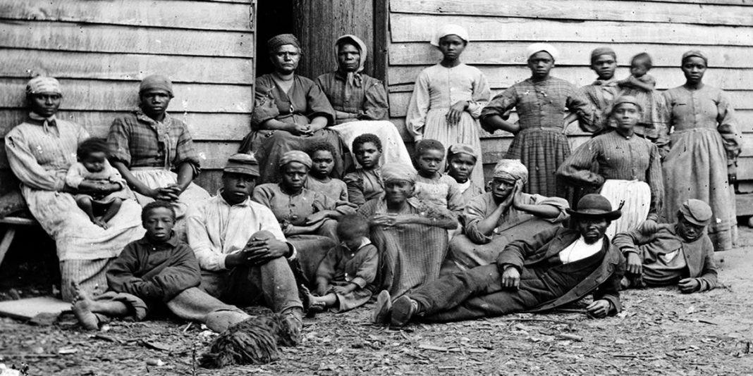 El sistema esclavista en Norteamérica. Familia de esclavos.