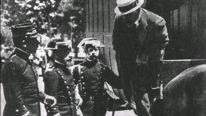 Ferrer Guardia Custodiado por la Guardia Civil