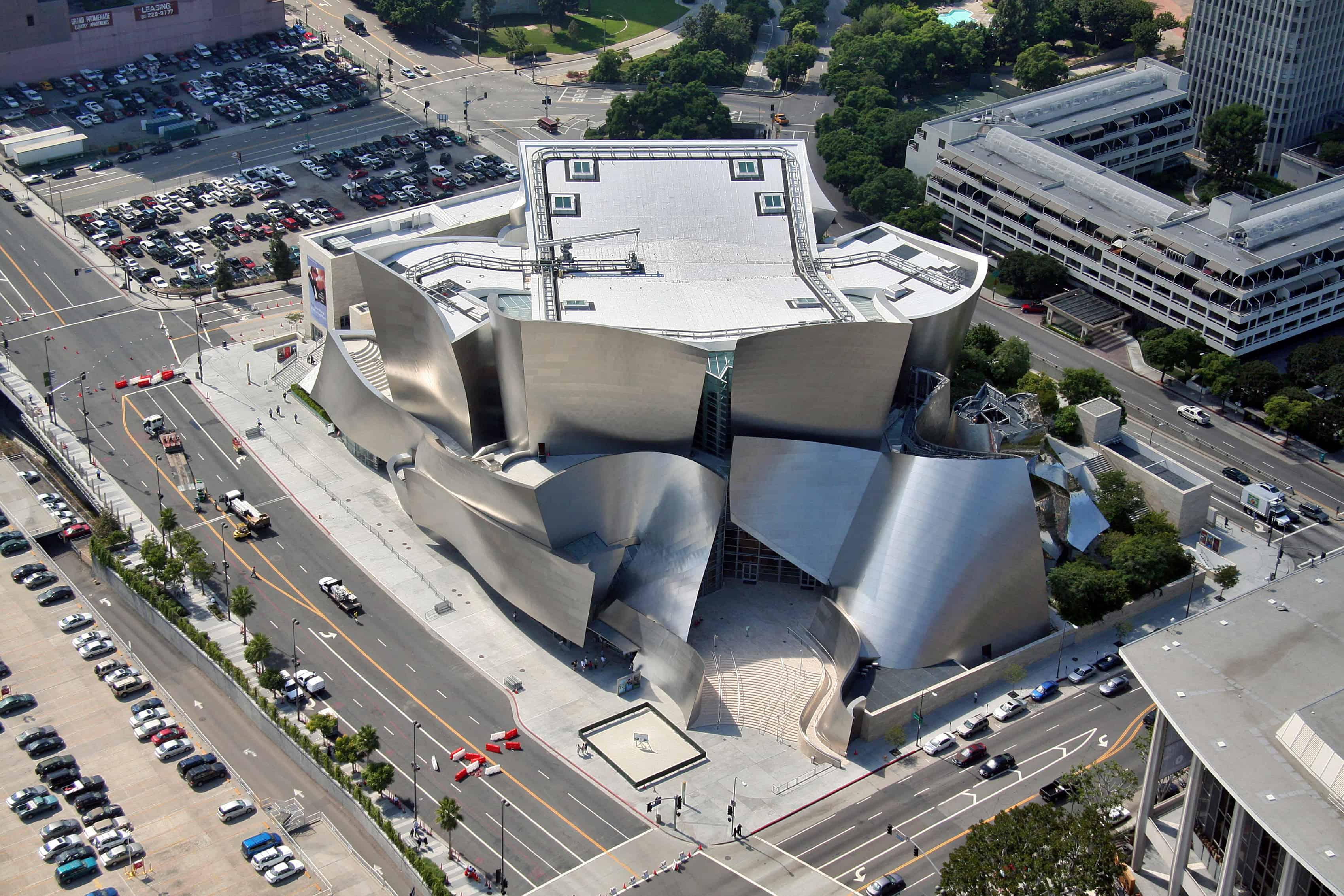 The Walt Disney Concert Hall, Frank Gehry's Curvaceous, Stainless Steel in Los Angeles | Archute