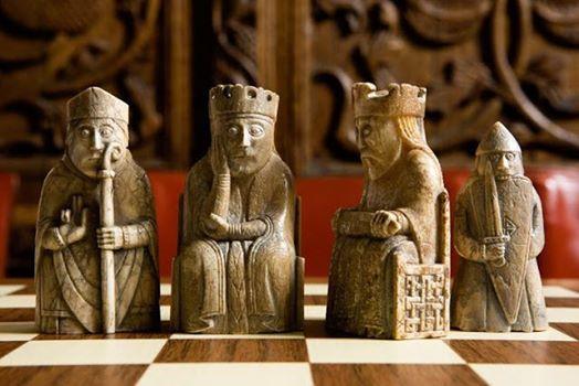 Enigma nel medioevo