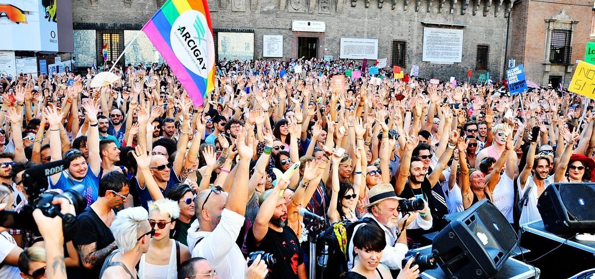 Lgbti, Onda Pride al giro di boa: domani cortei a Napoli, Bologna, Siracusa e Frosinone