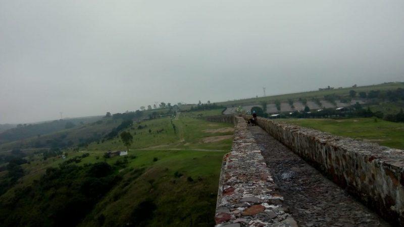 caminar por el acueducto