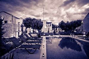 Night view pool & garden