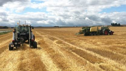 ARCUSIN ACCUMULATEUR BALES BALE CHASER FORSTACK FRANCE