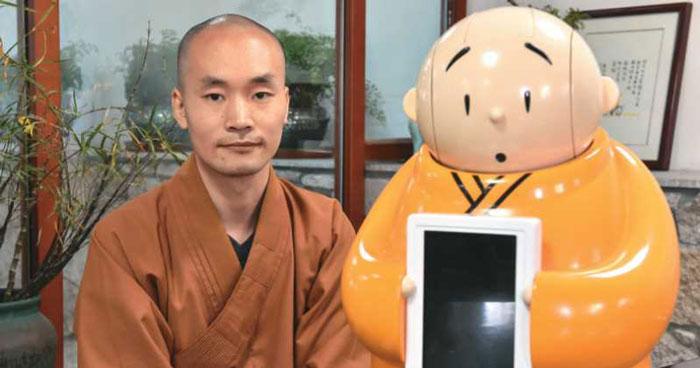 monje robot budista