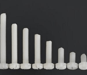 10 Pezzi M3*15 Viti in Nylon