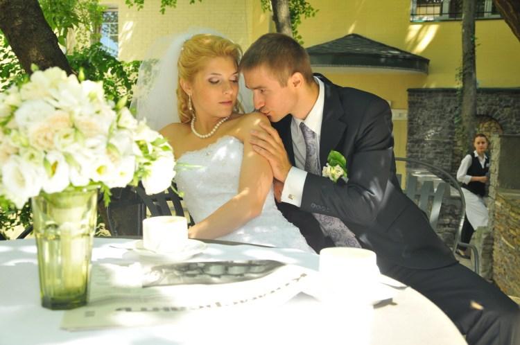 Алла и Андрей. Свадьба 2011 года. Съемка в кафе