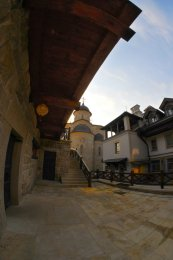И снова я в Зверинецком монастыре. Живые фотографии о вечном 36