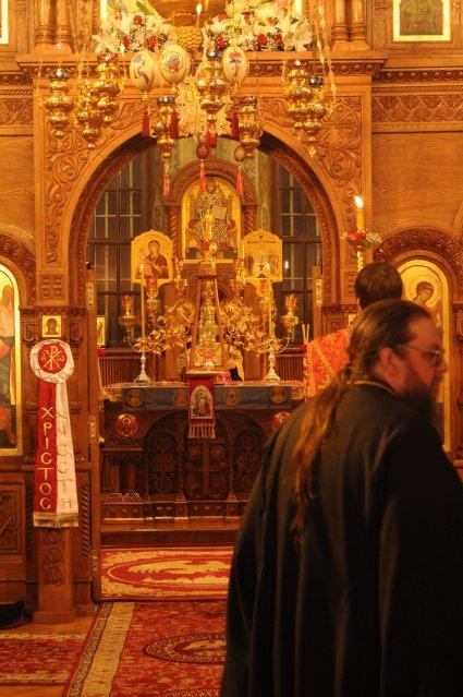 Фоторепортаж из Свято-Троицкого Ионинского монастыря о праздновании Светлого праздника Пасхи 52