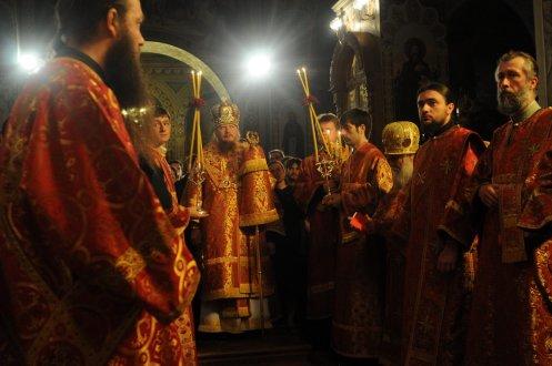 Фоторепортаж из Свято-Троицкого Ионинского монастыря о праздновании Светлого праздника Пасхи 82