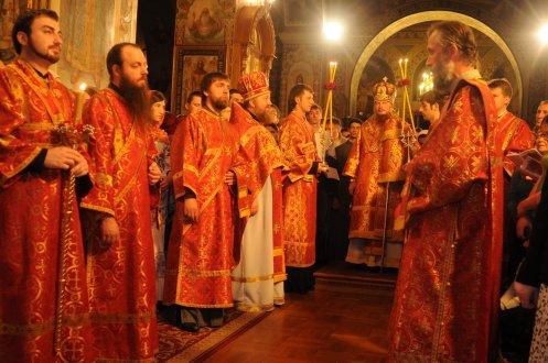 Фоторепортаж из Свято-Троицкого Ионинского монастыря о праздновании Светлого праздника Пасхи 110