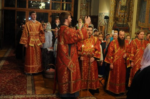 Фоторепортаж из Свято-Троицкого Ионинского монастыря о праздновании Светлого праздника Пасхи 132