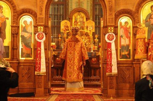 Фоторепортаж из Свято-Троицкого Ионинского монастыря о праздновании Светлого праздника Пасхи 171