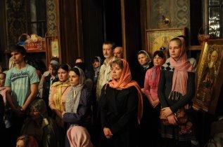 Фоторепортаж из Свято-Троицкого Ионинского монастыря о праздновании Светлого праздника Пасхи 343