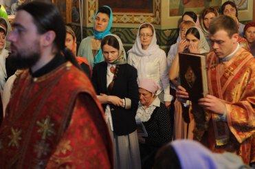 Фоторепортаж из Свято-Троицкого Ионинского монастыря о праздновании Светлого праздника Пасхи 438