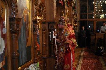 Фоторепортаж из Свято-Троицкого Ионинского монастыря о праздновании Светлого праздника Пасхи 477